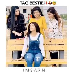 Bff Quotes Funny, Funny Friend Memes, Love Song Quotes, Besties Quotes, Best Friend Gifs, Best Friend Status, Friendship Video, Sad Friendship Quotes, Romantic Love Song