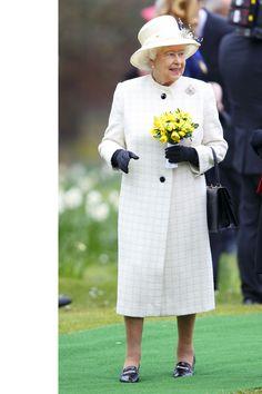 Queen Elizabeth's Regal Rainbow Style.Windsor Greys Statue unveiling.Windsor.2014