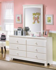 """A lovely room should never be entirely complete without the top most important furniture for women and even men€"""" dressers and mirrors."""