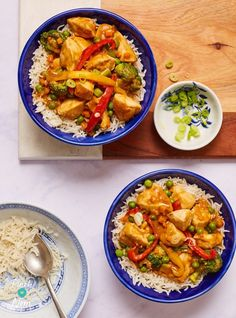With our slimming-friendly version of Chicken Satay Curry - who needs the Takeaway? Perfect if you're counting calories or following Weight Watchers.