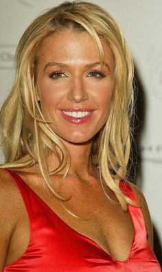 "Poppy Montgomery - liked her on ""without a trace"""
