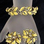 Monet Cream Enamel Choker Bracelet Brooch Earrings Gold-tone