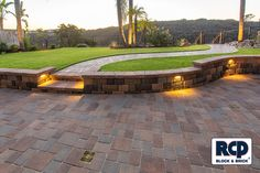 Country Manor Wall. Here's a unique curved design perfect for your hardscape project.