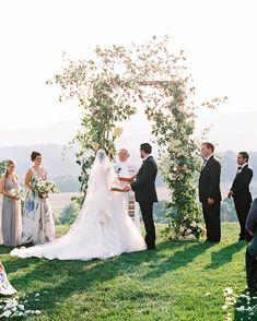 Garden Chic Virginia Summer Wedding with Pastel Bridesmaid Dresses - crazyforus Mod Wedding, Farm Wedding, Wedding Bride, Floral Wedding, Vineyard Wedding, Luxury Wedding, Wedding Bells, Wedding Ceremony Ideas, Wedding Photos