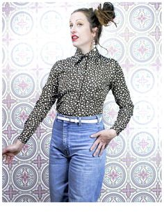 Vintage Seventies Blouse 1970s Butterfly Print Button Front Top 70s Raw Silk Blouse Medium
