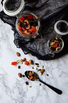 A great black and orange appetizer, snack, or dessert for Halloween. Made with dried papaya and raisins, it's a fun and healthy Halloween recipe you'll want year round. Healthy Halloween Snacks, Healthy Vegan Snacks, Healthy Recipes, Low Sugar Recipes, Orange Recipes, Whole Food Recipes, Snack Recipes, Halloween Recipe, Tasty Dishes