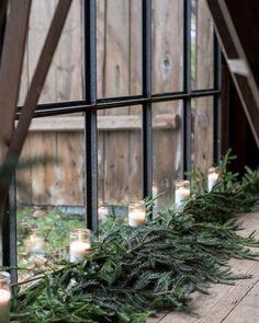 my scandinavian home: Let it Glow: 5 Pretty Candle Displays You Can Make In An Instant! Natural Christmas, Noel Christmas, Scandinavian Christmas, Country Christmas, Winter Christmas, Woodland Christmas, Christmas Candles, Modern Christmas, Simple Christmas