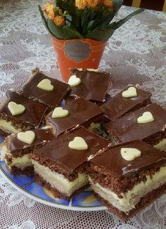 A gesztenye nálunk nagy kedvenc, ezért az ilyen finom sütiknek se tudunk ellenállni. Ha valami különleges édességgel lepnéd meg a szeretteid, próbáld ki ezt a finomságot. Hozzávalók Piskóta 6 tojás 6 e.kanál víz 6 e.kanál porcukor 6 e.kanál liszt 1 … Egy kattintás ide a folytatáshoz.... →