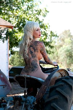 Sabina Kelley in an outtake from her new 2014 Calendar.