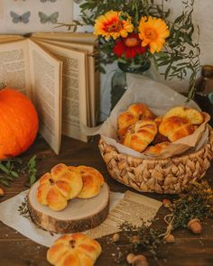 Autumn Aesthetic, Aesthetic Food, Autumn Witch, Scary Pumpkin, Simply Recipes, Food Photography, Food And Drink, Homemade, Snacks