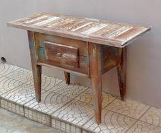 Olhem o que fiz com uma veneziana de madeira de demolição! O tempo de uma mesa incrível!!!