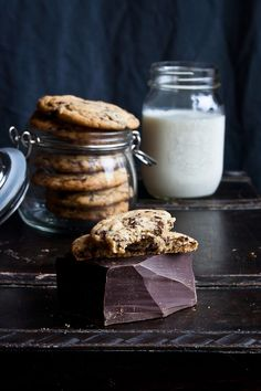 The absolute best chocolate chip cookies ever