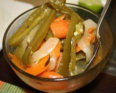 En escabeche, una buena opción para las verduras y los chiles Con ...