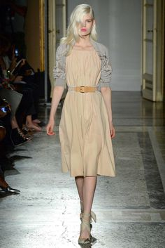 Aquilano.Rimondi Spring 2015 Ready-to-Wear Fashion Show - Sabina Lobova (ELITE)