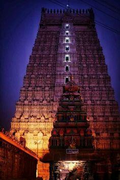 கோபுர தரிசனம் கோடி புண்ணியம் Stunning night view of Thiruvannamalai temple Raja Gopuram . Indian Temple Architecture, India Architecture, Ancient Architecture, Amazing Architecture, Temple India, Hindu Temple, Monument In India, Lord Krishna Wallpapers, Amazing India