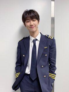 Woozi, Jeonghan, Wonwoo, Seventeen Minghao, Seventeen Album, Cute Themes, Seventeen Wallpapers, Adore U, Pledis Entertainment