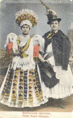 népzene - Képgaléria - népviselet - Népviseletek a Hajdúságtól a Délalfőldig Art Costume, Folk Costume, Costumes, Man Skirt, Folk Clothing, Tribal Fashion, My Heritage, Traditional Outfits, Hungary