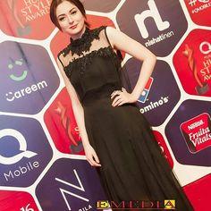 Gorgeous Hania Amir at #humstyleawards  - - #haniaamir #followus ✨