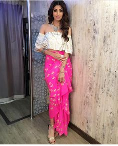 Indo western dresses for girls are a trending Outfit among girls and women. Adore the best indo western dresses for girls and ladies with us. Indian Wedding Outfits, Bridal Outfits, Indian Outfits, Indian Gowns, Indian Attire, Indian Wear, Indian Designer Outfits, Designer Dresses, Designer Sarees