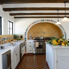 Mexican Style Homes, Mexican Style Kitchens, Hacienda Style Homes, Mexican Home Decor, Mexican Hacienda Decor, Mexican Home Design, Spanish Revival Home, Spanish Colonial Homes, Spanish Style Homes