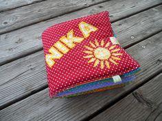 Stoff Fotoalbum Kinder Tupfen bunt Name +Sonne von Schnickel und Schnackel auf DaWanda.com Bunt, Continental Wallet, Coin Purse, Purses, Etsy, Pictures, Polka Dots, Sun, Handbags