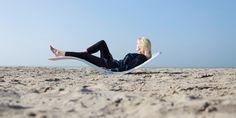 Eén van de nieuwste ontwikkelingen van Kemeling is een trendy lichte kunststof lig- of strandstoel (van composiet). De ligstoel is ergonomisch ontworpen en geproduceerd van hoogwaardig lichtgewicht composiet. De ideale ligstoel voor zonliefhebbers te gebruiken op recreatieveld, stand of zwembad. Toscani verzorgde in opdracht de fotoshoot op locatie. Bekijk de resultaten binnenkort op: http://www.kemeling.nl/innovatie.html Een aantal strandtenten zijn alvast voorbereid op een heerlijke zomer!