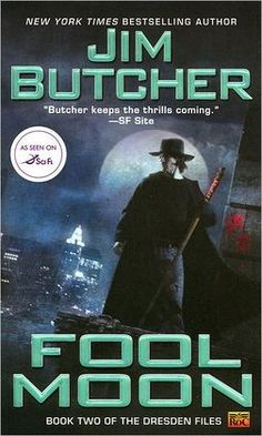 Fool Moon (Dresden Files Series #2) - I read the first, this is a series to get sucked in to!!