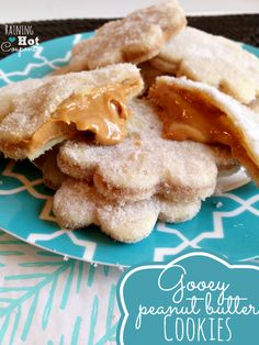 Gooey Peanut Butter Cookies (Only 3 Ingredients!) Made with 2 cups peanut butter, 1 Cup sugar, 1 Pie Crust. I'm thinking adding brown sugar to the peanut butter, though! Just Desserts, Delicious Desserts, Yummy Food, Peanut Butter Recipes, Peanut Butter Cookies, Yummy Treats, Sweet Treats, Cookie Recipes, Dessert Recipes
