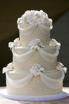 Simple But Elegant Wedding Cakes Elegant Wedding Cake Designs ToClassic Elegant Wedding Cake Elegan Fondant Wedding Cakes, Wedding Cakes With Cupcakes, White Wedding Cakes, Fondant Cakes, Fondant Figures, Fondant Tips, Fondant Bow, 3d Cakes, Fondant Tutorial