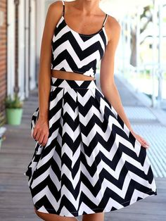 Monochrome,Chevron Print,Crop Top,Pleated,Midi Skirt