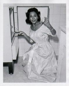 "nostalgiagolden: ""dorothydandridge: "" Cute candid photos of Dorothy. "" Cute candid photos of Dorothy. Vintage Hollywood, Hollywood Glamour, Classic Hollywood, Black Actresses, Black Actors, Black Celebrities, Celebs, Lena Horne, Dorothy Dandridge"