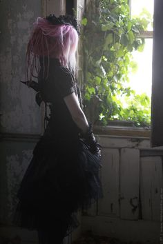 http://victorian-goth-models.tumblr.com/post/123105177407/for-more-photos-visit-our-blog-click