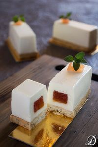 brie mousse w/tomato jam filling on an oregano sablée(recipe translator) Patisserie Fine, Dessert Original, French Pastries, Mini Cakes, Food Plating, Love Food, Sweet Recipes, Sweet Treats, Dessert Recipes
