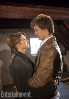 'The Fault In Our Stars' First Look: Gus and Hazel kiss at Anne Frank house — EXCLUSIVE PHOTO | EW.com