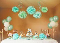babyparty deko mintgrün pompoms luftballons