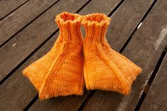 duck socks... I will learn to knit just so I can make these for every child I know!