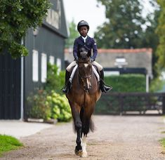Black Girl Riding, Pony, Barn Stalls, Dream Barn, American English, Horse Stuff, Cowgirls, Equestrian, Afro