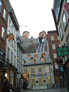 Shopping in Old Quebec City- wanna go my parents had their honeymoon here :)