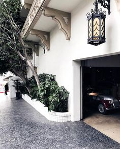 Chateau Marmont Chateau Marmont, French Chateau, Exterior Lighting, Mai, My Dream Home, Fixer Upper, Curb Appeal, Sweet Home, Home And Garden
