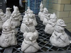 5th Grade Clay Lesson: Snowmen made from pinch pots