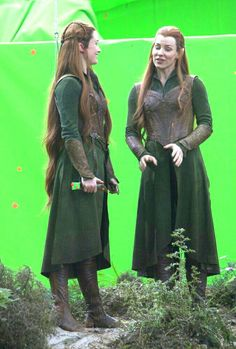 Evangeline Lilly and Her stunt double.