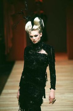 Christian Lacroix - Haute Couture - Runway Collection - Women Fall / Winter 1997