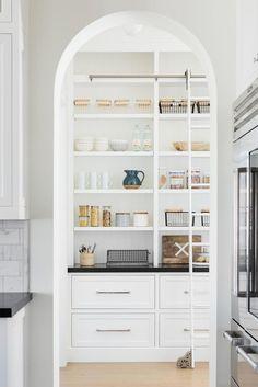 Interior Design Studio, Home Interior, Interior Design Kitchen, Interior Modern, Apartment Interior, Apartment Living, Bathroom Interior, Kitchen Pantry Design, New Kitchen