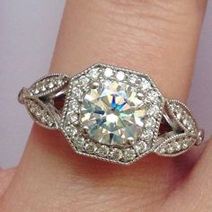 White Gold Over Round Brilliant Cut Anniversary Engagement Ring in Jewelry & Watches, Fine Jewelry, Fine Rings, Diamond Bling Bling, Jewelry Box, Jewelry Accessories, Jewlery, Jewelry Design, Bijoux Art Deco, Brilliant Earth, Looks Vintage, Dream Ring
