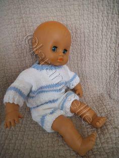 tuto gratuit poupon: short du petit ensemble pour poupon de 43 cm Short, Tweety, Babys, Fictional Characters, Photos, Voici, Couture, Doll Clothes, Baby Doll Clothes