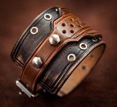 Bracelet cuir bracelet rock effet usé par BanditLeather sur Etsy Bracelet  Cuir, Ceinture, Parements 66abc61f3fe