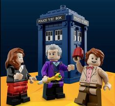 Doctor Who Legoset features Tardis, Clara, Doctor, Weeping Angels and Daleks
