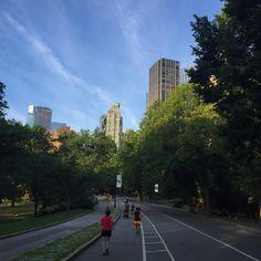Hoy hemos cambiado de parque: Central Park una maravilla para el #running #runners #nyc #igers #picoftheday #sky #igersnyc #manhattan