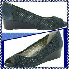 NIB BLUE ANNE KLEIN COMFY LEATHER WEDGE SHOE IN YOUR BOX ANNIE KLEIN SPORTS COLLECTION IS AN INVESTMENT OF COMFORT CLASS AND TIMELESS STATEMENT FROM THE BUSINESS SUIT TO JEANS ?? AND ALL IN BETWEEN HERE YOU ARE,  DON'T LET THESE SHOES WALK AWAY Anne Klein Shoes Wedges