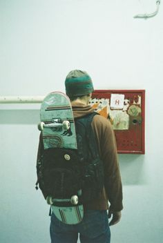 A backpack and a skateboard. - A backpack and a skateboard. Skates, Roman Photo, Skate And Destroy, Base Ball, Skater Boys, Skate Style, Skate Surf, Skateboards, Hipster